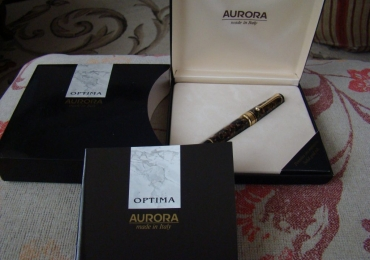 AURORA OPTIMA Brown Tortoiseshell Gold Fountain Pen