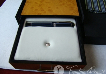 PARKER DUOFOLD BLUE PINSTRIPE Special Edition Fountain Pen 2004