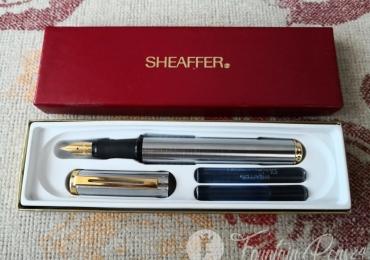 Sheaffer Award Fountain Pen – Brushed Steel Gold Trim Nib Medium