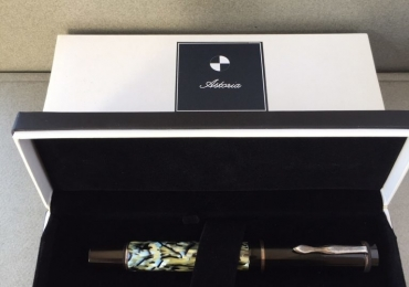 ASTORIA GOLIATH BLACK AND PEARL #8 NIB